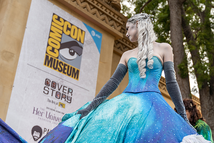 Cosplay in front of Comic-Con Museum